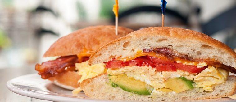 מדבקות לכריכים: כך תעודדו את הילדים לאכול בבית הספר